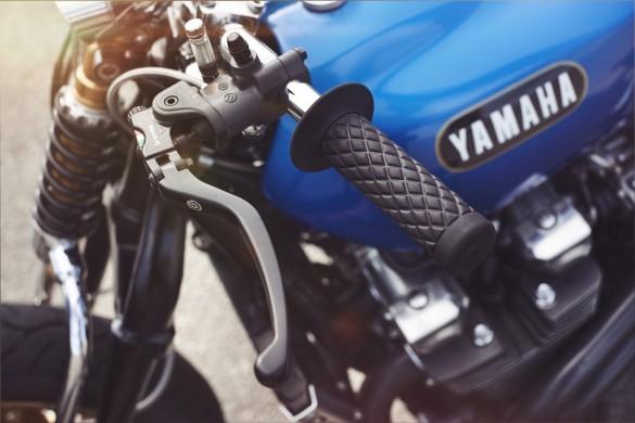 Yamaha-XJR-1300-14-1480x987