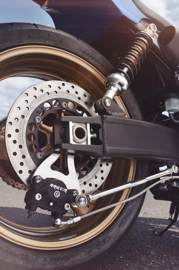 Yamaha-XJR-1300-15-1480x2233