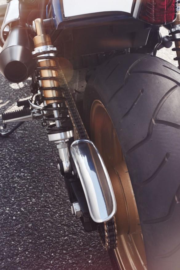 Yamaha-XJR-1300-5-1480x2220