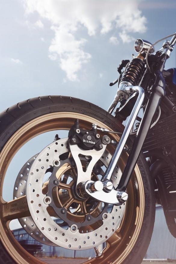 Yamaha-XJR-1300-9-1480x2220