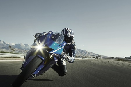 2017-Yamaha-YZF-R6-New-Release
